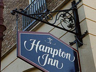 Hampton-Inn-Signage.jpg