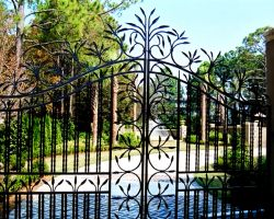 Toscana Mare Villa Entrance Gates