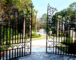 Toscana Mare Villa Main Entrance Driveway Gates